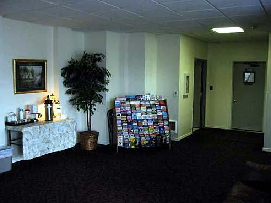 Everspring Inn: Lobby