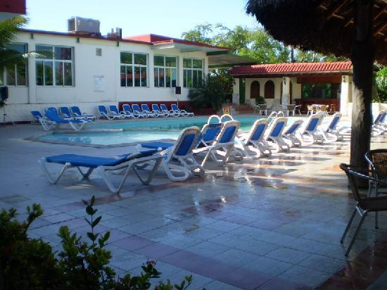 Isazul Hotel Las Americas Piscina