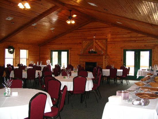 Tenkiller Lodge: Log Event Hall Interior