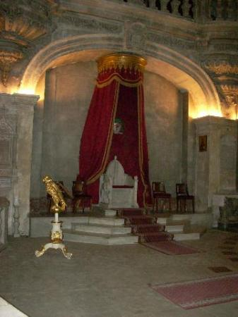 A papal throne dominates the main sanctuary of the Cathedral in Avignon