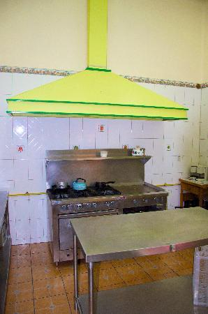 Casa Vilasanta: Large kitchen with commercial stove and grill