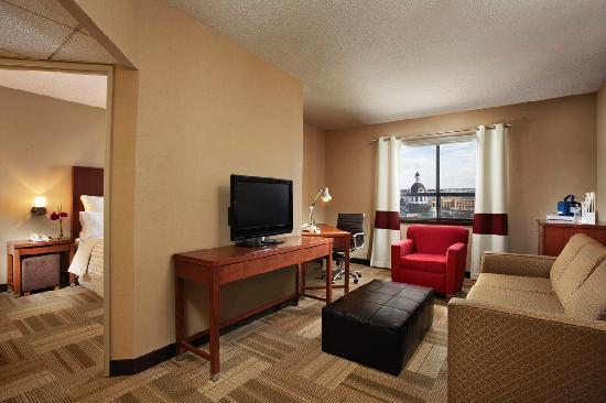 Four Points Hotel and Suites Kingston: Junior Suite