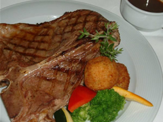 C'est Wat Restaurant and Guesthouse : Australian T-Bone steak