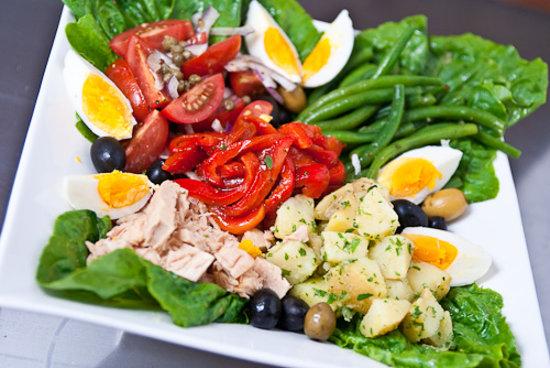 C'est Wat Restaurant and Guesthouse : Nicoise Salad