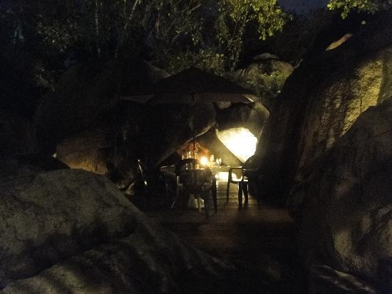 Rock Cafe: Rocks, Rocks and More Rocks