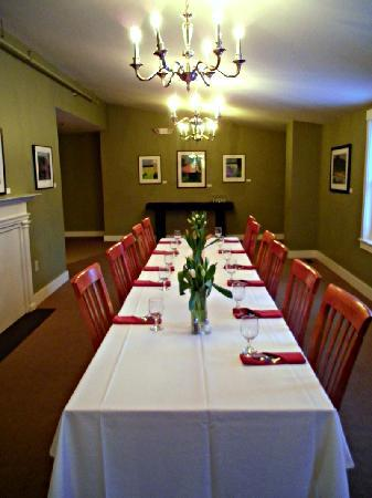 Woodbound Inn: Brummer Room