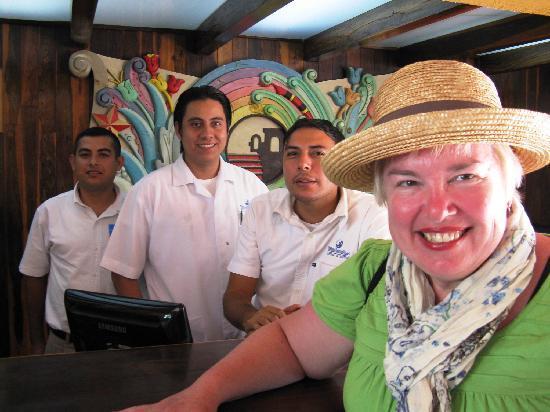 Villa Varadero Hotel & Suites: Laurie con amigos...