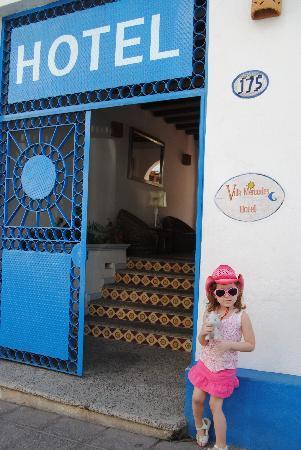 Villa Mercedes Petit Hotel: Front entrance