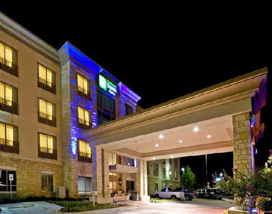 Holiday Inn Express & Suites Allen North - Event Center: Exterior Night