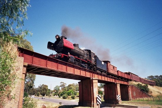 Victorian Goldfields Railway: J-541 at Castlemaine