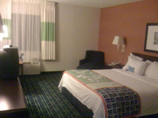 Fairfield Inn Albany East Greenbush: One king bed