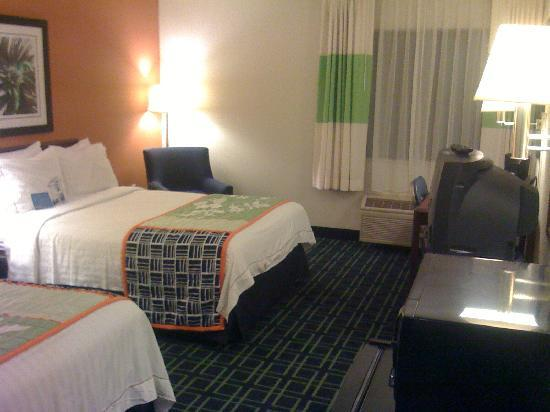 Fairfield Inn & Suites Albany East Greenbush: Two double beds
