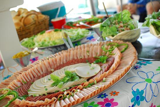 Reefjet : Lunch is served