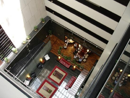 Four Points By Sheraton Montevideo: The lobby seen from above