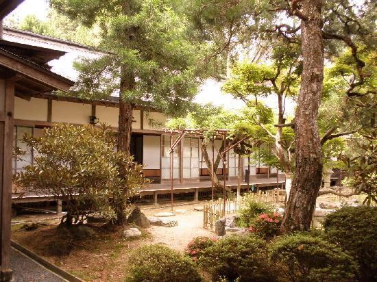 Mt.Koya Kumagaiji: Garden