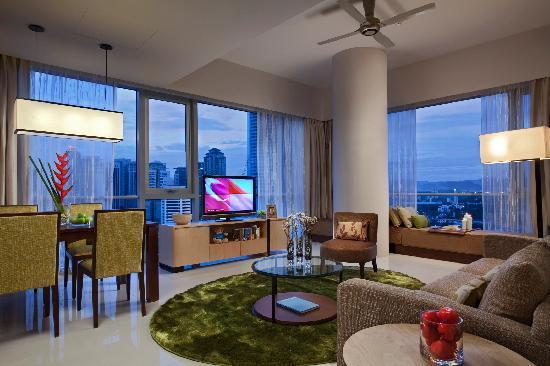 Somerset Ampang Kuala Lumpur: Living & Dining Area