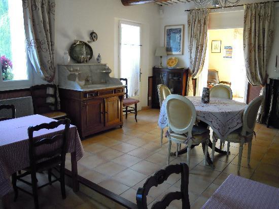 Les Passiflores : la sala da pranzo interna