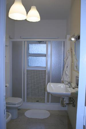 B&B Stay at Rome: Bathroom