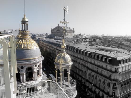 Hotel Saint Germain des Pres : vue de la terrasse du Montparnasse