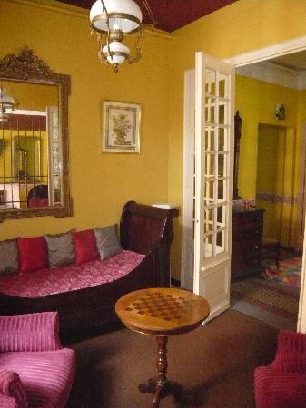 Cerbere, France: petit salon a l'annexe.
