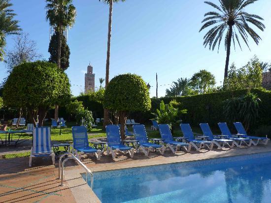 Hotel Chems : vue de la piscine et de la koutoubia de notre chambre