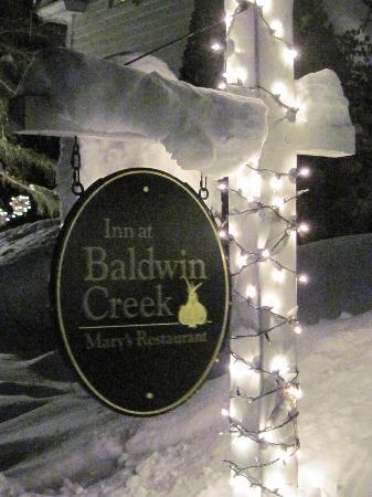 Inn at Baldwin Creek: A little snow to brighten your stay...