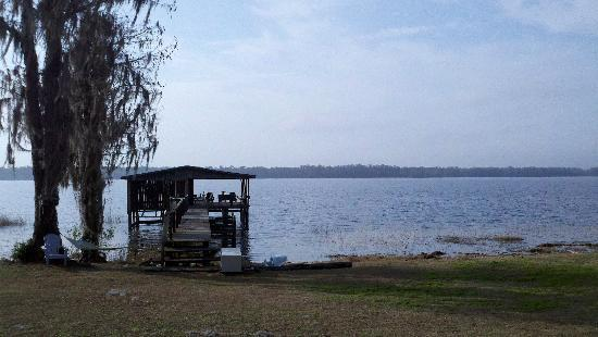 Hampton Lake Bed and Breakfast: Lake