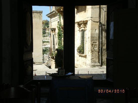Modica, Italy: dall'interno della chiesa di san Nicola