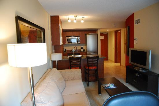 Embassy Suites by Hilton Montreal: La Suite