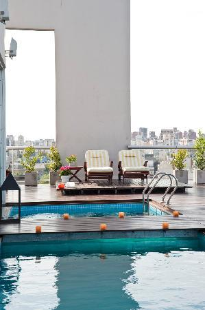 Hollywood Suites & Lofts: Terraza