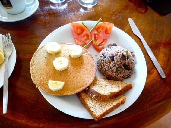 Vista Guapa Surf Camp: Why breakfast was my favorite meal of the day!