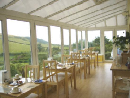 Surf View Guest House: Breakfast in the Conservatory