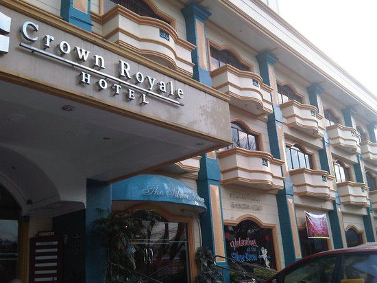 ‪Crown Royale Hotel‬