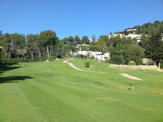 Golf Son Vida: Bebauung entlang der Bahnen