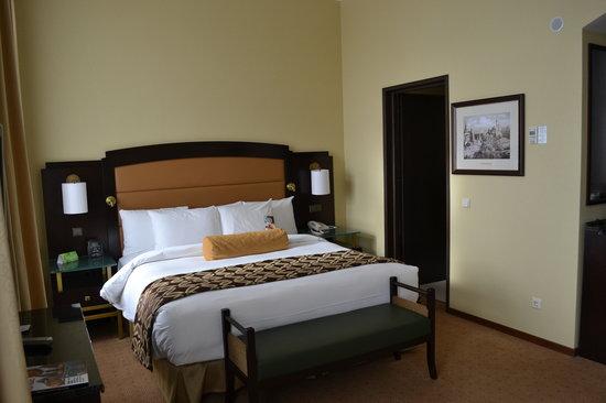 Hilton Moscow Leningradskaya: Bedroom area