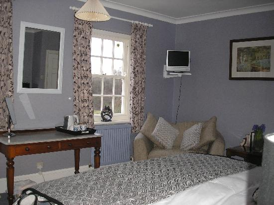 Laskill Country House: Blue bedroom