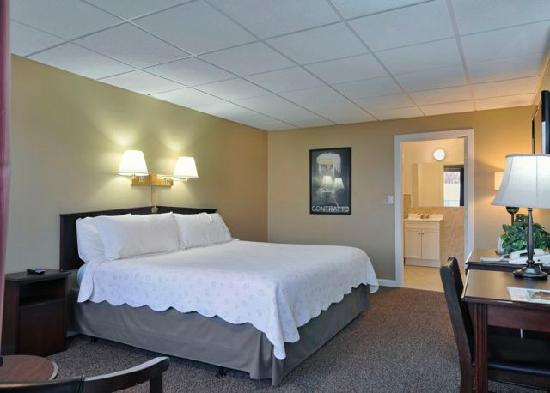 The Freeport Inn and Marina: Deluxe Room