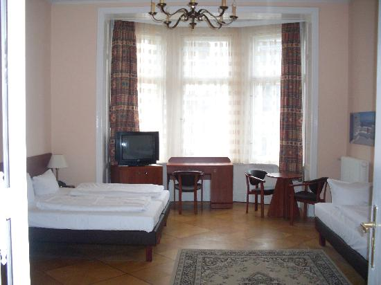 Astrid Hotel am Kurfürstendamm: 4 bed room