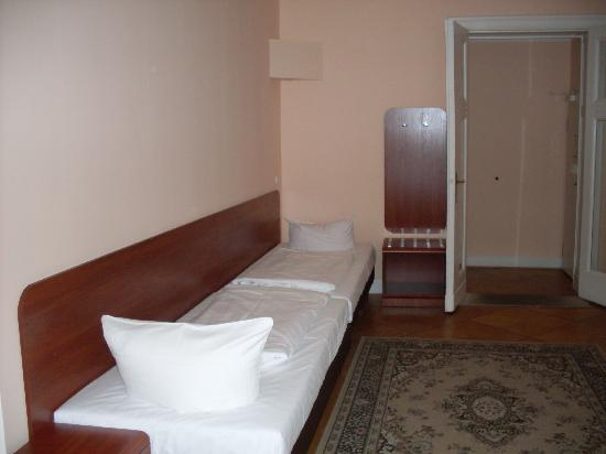 Astrid Hotel am Kurfurstendamm: 4 bed room kids corner