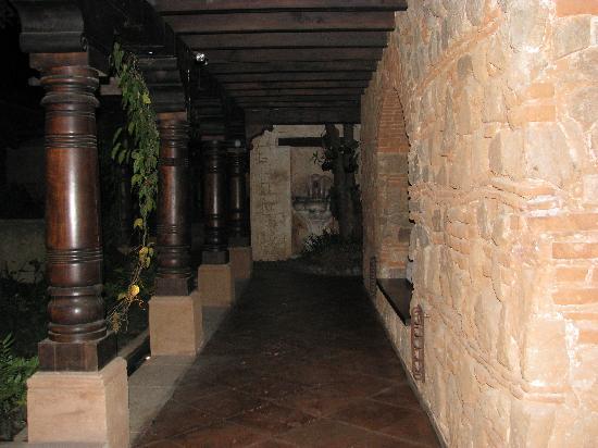 El Convento Boutique Hotel : Pasadizos