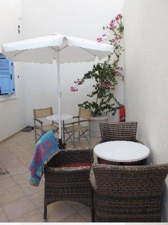 Villa Roussa: Terrasse extérieure