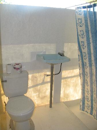 Cabinas El Mirador Lodge: bathroom
