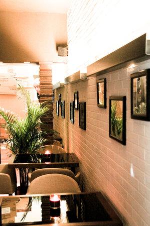 Peek-A-Boo Lounge & Restaurant: Peek-A-Boo::ristorante