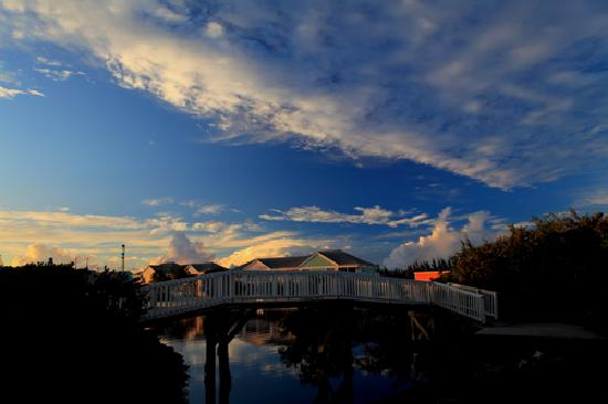 Sandyport Beaches Resort: Sandyport Grounds 2