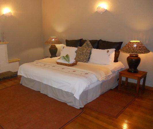 African Peninsula Guest House : Suite 12 bedroom