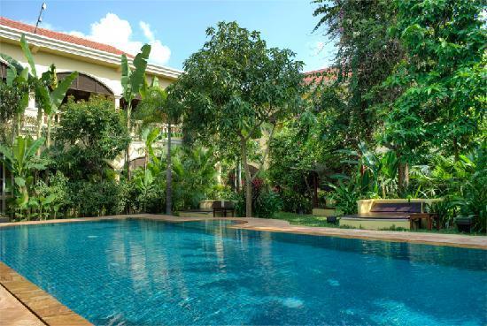 Pavillon d'Orient Boutique-Hotel: Les Bains d'Orient swimming pool