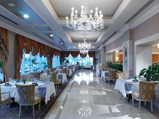 Rixos President Astana Hotel: L'Olivo