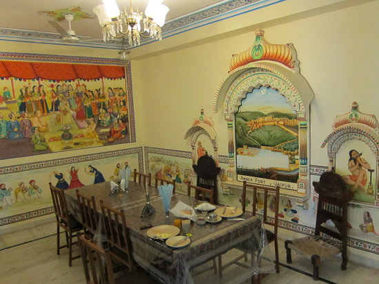 Hotel Baba Haveli: The communal eating area