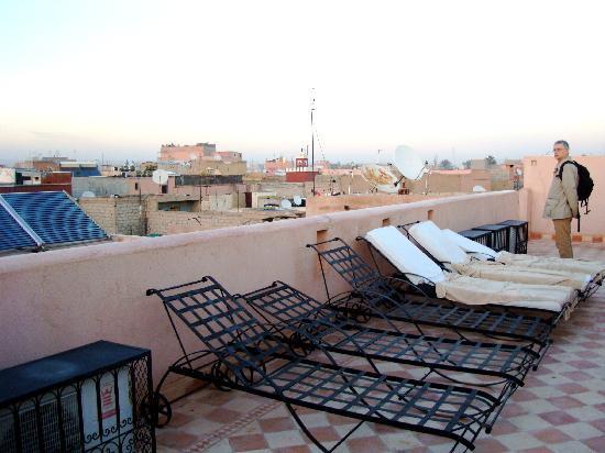 Riad Kenzo : le solarium en terrasse
