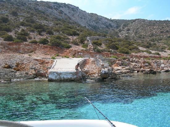 Samos, Greece: Un approdo in una delle tante isole